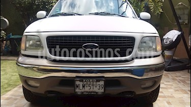 Foto venta Auto Seminuevo Ford Expedition Eddie Bauer 4x4  (2002) color Blanco precio $85,000