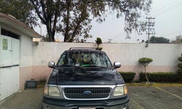 Foto venta Auto Seminuevo Ford Expedition XLT 4x2 4.6L  (1997) color Negro precio $45,000
