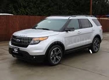 foto Ford Explorer Limited 4.6L Aut usado (2015) color Plata precio u$s60.000.000