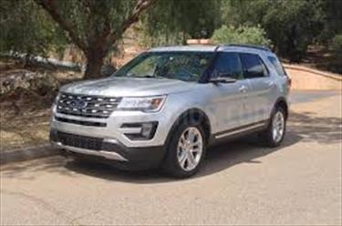 foto Ford Explorer Limited 4.6L Aut usado (2015) color Gris Antracita precio u$s80.000.000
