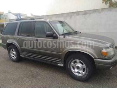 Foto venta Auto usado Ford Explorer Limited 4x2 4.6L V8 (2000) color Verde precio $50,000