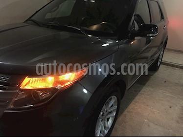 Foto venta Auto Seminuevo Ford Explorer XLT 4x2 4.0L  (2015) color Gris Roca precio $270,000