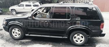 Foto venta Auto Seminuevo Ford Explorer XLT 4x2 4.0L V8 (2001) color Negro / Vintage Copper precio $65,000