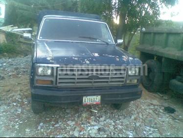 Foto venta carro Usado Ford F-150 Elite Pick-up 4x2 V8,5.0i A 1 3 (1982) color Azul precio u$s1.600
