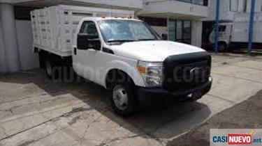 Ford F-350 5.4L 4x4 usado (2014) color Blanco precio BoF98.100.000