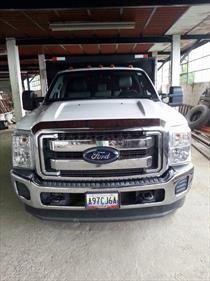 Foto venta carro usado Ford F-350 5.4L 4x4 (2012) color Blanco precio u$s15.200