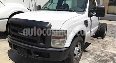 Ford F-350 6.2L  usado (2015) color Blanco Perla precio BoF610.000.000