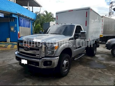 Foto venta carro usado Ford F-350 6.2L  (2012) color Gris
