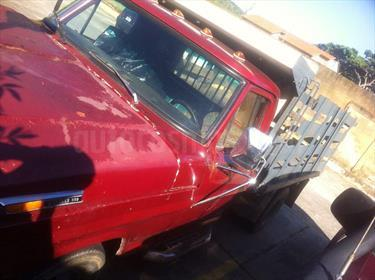 Foto venta carro usado Ford F-350 Furgon L6 4.9L 300in (1979) color Rojo Alfa precio u$s2.700