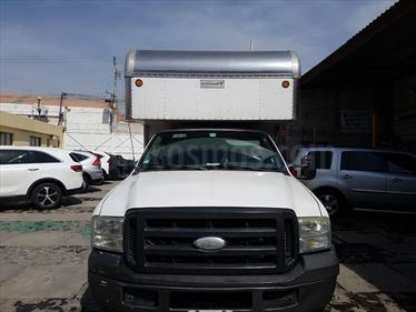 Foto venta Auto Seminuevo Ford F-350 XL 5.4L Super Duty  (2006) color Blanco precio $160,000
