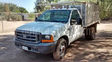 Foto venta Auto Seminuevo Ford F-350 XL 5.4L Super Duty  (2000) color Blanco precio $58,000