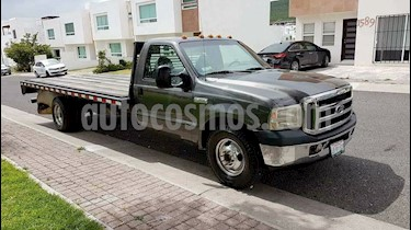 Foto venta Auto Seminuevo Ford F-350 XL 5.4L Super Duty  (2007) color Gris Acero precio $75,000