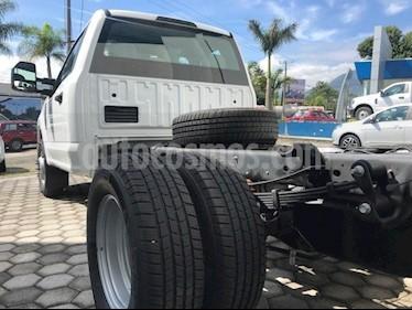 Foto venta Auto Seminuevo Ford F-350 XL MT (2017) color Blanco precio $559,999