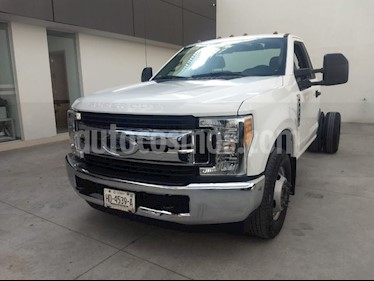 Foto venta Auto Seminuevo Ford F-350 XL Plus AT (2017) color Blanco precio $518,000