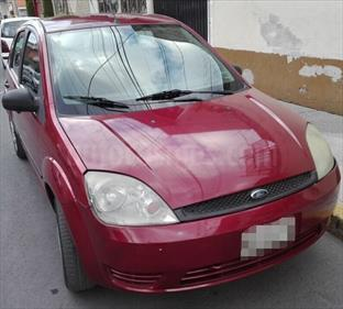 Foto venta Auto Seminuevo Ford Fiesta Hatchback First  (2007) color Vino Tinto precio $52,000