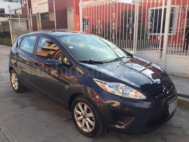 Foto venta Auto usado Ford Fiesta Hatchback SE  (2013) color Gris Tuno precio $115,000