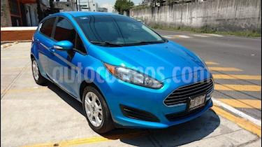 Foto venta Auto Seminuevo Ford Fiesta Hatchback SE (2015) color Azul Brillante precio $157,000