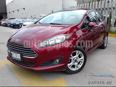 Foto venta Auto Seminuevo Ford Fiesta Hatchback SE (2016) color Rojo Rubi precio $175,000