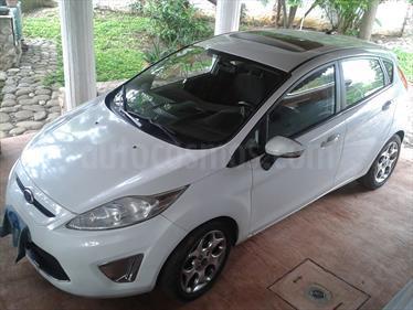Foto venta Auto Seminuevo Ford Fiesta Hatchback SES (2011) color Blanco precio $95,000