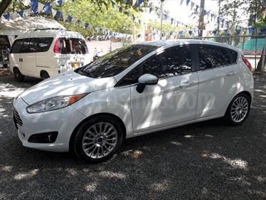 Ford Fiesta Titanium Aut usado (2014) color Blanco Oxford precio $39.000.000