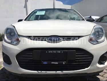 Foto venta Auto Seminuevo Ford Fiesta Ikon Hatch Ambiente (2015) color Blanco precio $79,999