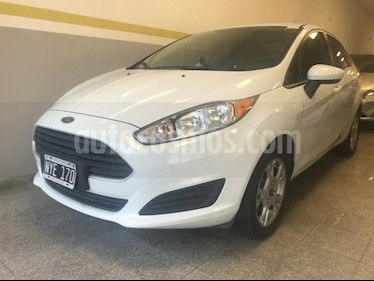 Ford Fiesta Kinetic Sedan S Plus usado (2014) color Blanco precio $390.000
