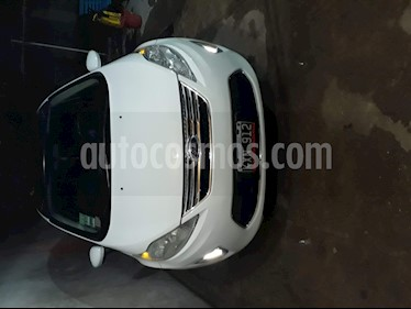 Foto venta Auto usado Ford Fiesta Kinetic Sedan Trend Plus (2012) color Blanco Oxford precio $247.000