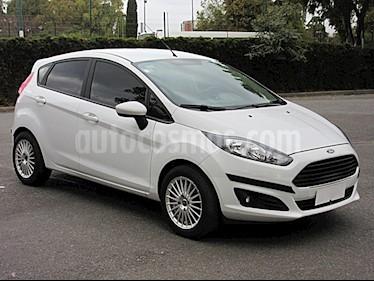 Foto venta Auto Usado Ford Fiesta Kinetic S (2015) color Blanco Oxford precio $259.000
