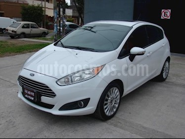 Foto venta Auto Usado Ford Fiesta Kinetic SE Plus  (2014) color Blanco Oxford precio $305.000