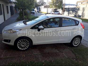 Foto venta Auto usado Ford Fiesta Kinetic SE  (2016) color Blanco Oxford precio $315.000