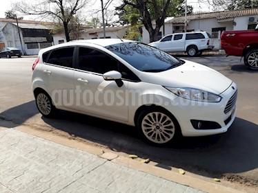 Foto venta Auto Usado Ford Fiesta Kinetic SE  (2015) color Blanco Oxford precio $288.000