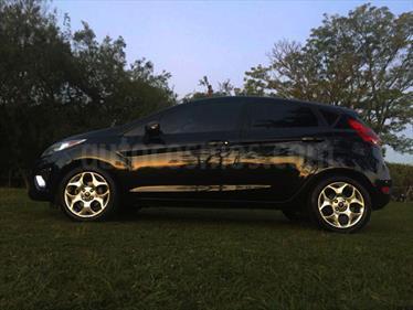 Foto venta Auto Usado Ford Fiesta Kinetic Titanium (2013) color Negro precio $220.000