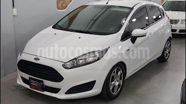 Foto venta Auto Usado Ford Fiesta Kinetic Titanium (2018) color Blanco precio $302.000
