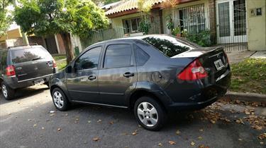 Foto venta Auto usado Ford Fiesta Max Ambiente Plus (2008) color Gris Oscuro precio $135.000