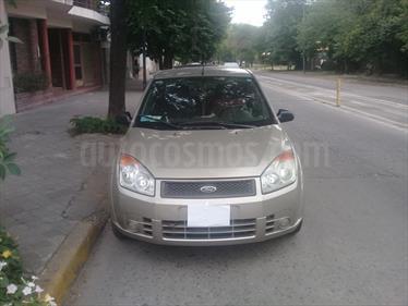 Foto venta Auto Usado Ford Fiesta Max Ambiente Plus (2008) color Bronce Metal precio $129.000