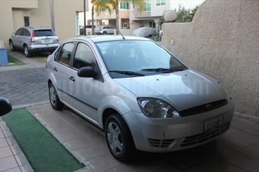 Foto venta Auto Seminuevo Ford Fiesta Sedan First Ac (2007) color Plata precio $59,000