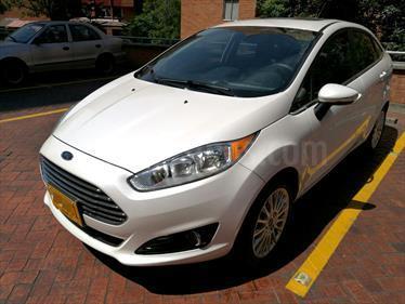 Foto Ford Fiesta Sedan SE Sportback