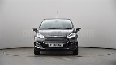 Ford Fiesta Sedan Titanium Aut usado (2016) color Blanco Perla precio BoF200.000