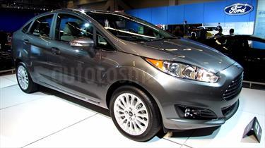 Foto venta carro usado Ford Fiesta Sedan Titanium Aut (2017) color Negro Onix precio BoF150.000.000