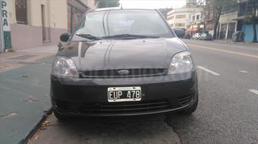 Foto venta Auto usado Ford Fiesta  5P Ambiente Plus (2005) color Gris precio $155.000