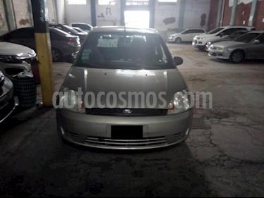 Foto venta Auto Usado Ford Fiesta  5P Ambiente (2005) color Gris Claro precio $120.000