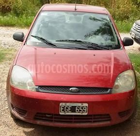 Foto venta Auto usado Ford Fiesta  5P Ambiente (2004) color Rojo precio $140.000