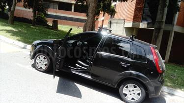 Foto venta carro usado Ford Fiesta Move (2012) color Negro precio u$s3.500