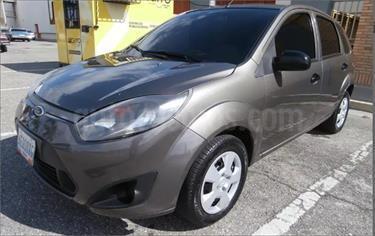 Ford Fiesta Move usado (2013) color Gris Grafito precio BoF42.000.000