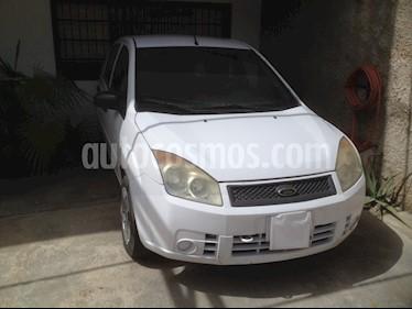 Foto venta carro Usado Ford Fiesta Power (2009) color Blanco precio u$s2.300