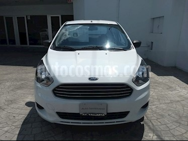 Foto venta Auto Seminuevo Ford Figo Sedan Impulse Aut A/A (2017) color Blanco precio $195,000