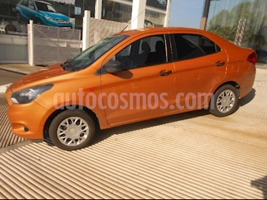 Foto venta Auto Seminuevo Ford Figo Sedan Impulse  (2017) color Naranja precio $152,000