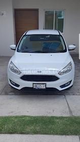Foto venta Auto usado Ford Focus Hatchback SE Aut (2016) color Blanco Oxford precio $228,000