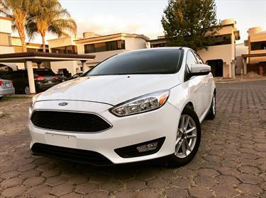 foto Ford Focus Hatchback SE Luxury