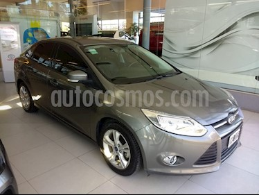 foto Ford Focus Sedan 2.0L SE